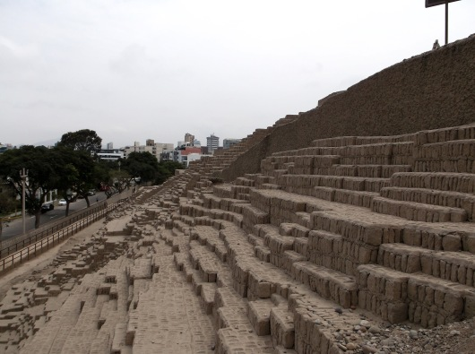 Huaca Pullcana - an Incan pyramid in the middle of Lima